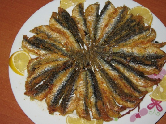 Hamsi Tava ( Fried Anchovies ) - Turkey Travel Guide